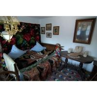 Casa cu Masti - Sala 2- Bundite 01.jpg
