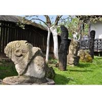 Muzeul Popa - Curtea cu sculpturi - aspecte 07.jpg