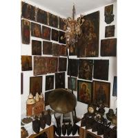 Casa colectiilor - Sala 5 - Obiecte religioase 04.jpg