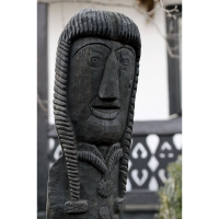 Neculai Popa - Sculptura lemn - Personaje curte 05.jpg