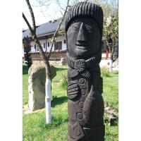 Neculai Popa - Sculptura lemn - Personaje curte 07.jpg