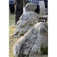 Neculai Popa - Sculptura piatra - Curte 01.jpg