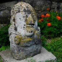 Neculai Popa - Sculptura piatra - Curte 04.jpg