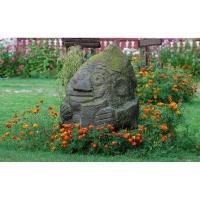 Neculai Popa - Sculptura piatra - Curte 08.jpg