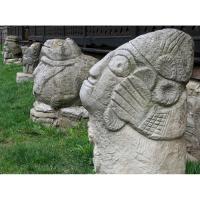 Neculai Popa - Sculptura piatra - Curte 12.jpg