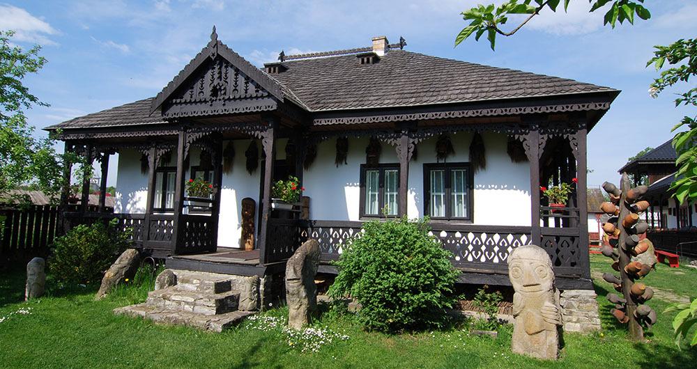 Muzeul Popa - Casa cu masti