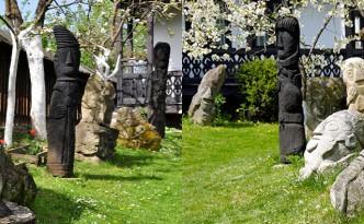 Slide 03 -  Sculpturi curte